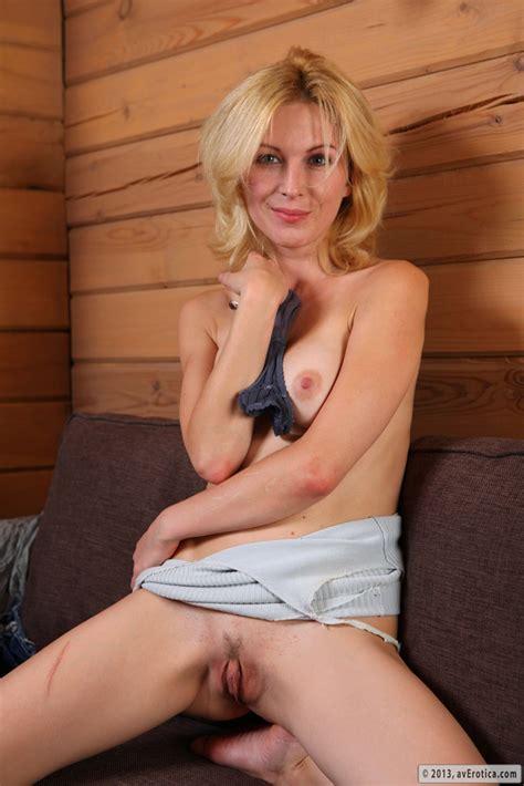 Sexy mature women porn movies hot mature sex videos jpg 667x1000